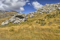 Cantos rodados en la colina del castillo Imagenes de archivo