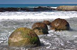 Cantos rodados en Ward Beach remoto Fotografía de archivo libre de regalías