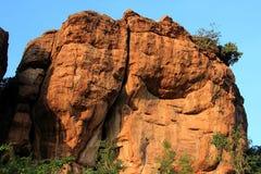 Cantos rodados gemelos de la roca, Badami imagen de archivo libre de regalías