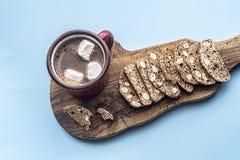 Cantucci ou biscotti seco italiano das cookies Fotos de Stock Royalty Free