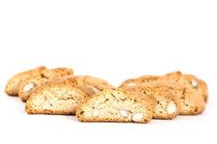 Cantuccini意大利biscotti饼干隔绝了在白色的对象 免版税库存照片
