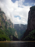 Canyon célèbre de Sumidero de Mexicain de bateau Image libre de droits