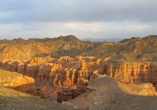 Canyon Charyn (Sharyn) al tramonto Immagine Stock