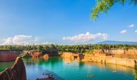 Canyon con un chiaro cielo piacevole Fotografia Stock