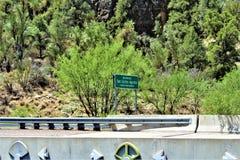 Canyon de la rivière Salt, dans la réserve indienne blanche d'Apache de montagne, l'Arizona, Etats-Unis photographie stock