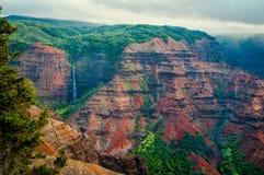 Cascade de canyon de Waimea Photos libres de droits
