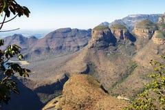 Canyon del fiume di Blyde con tre Rondavels fotografia stock libera da diritti