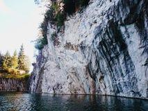 Canyon del marmo di Ruskeala Immagini Stock