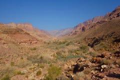 Canyon del paesaggio di Dana Biosphere Nature Reserve vicino al villaggio storico di Dana, Giordania, Medio Oriente immagini stock