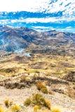 Canyon di Colca, inche del Perù, Sudamerica per sviluppare agricoltura dei terrazzi con lo stagno e la scogliera Fotografia Stock Libera da Diritti