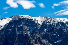 Canyon di Colca, Perù, Sudamerica. Inche per sviluppare agricoltura dei terrazzi con lo stagno e la scogliera. Fotografie Stock Libere da Diritti