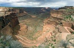 Canyon di Shafer nella sosta nazionale di Canyonlands Immagine Stock
