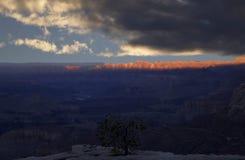 Canyon grand sur un coucher du soleil Image libre de droits