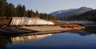 Canyon Lake Hume Resort Lake Kayaks Rowboats Königs lizenzfreie stockfotos