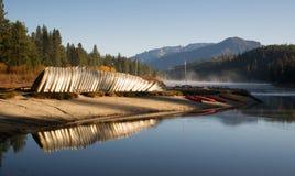 Canyon Lake Hume Resort Lake Kayaks Rowboats Königs lizenzfreies stockbild