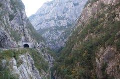 Canyon, les falaises et la route image stock