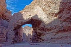 Canyon naturale del ponte, parco nazionale di Death Valley fotografia stock libera da diritti