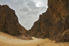 Canyon nero drammatico ed efficace Immagini Stock
