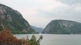 Canyon profondo del fiume video d archivio