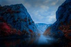 Canyon Repubblica Macedone di Matka fotografie stock libere da diritti