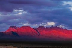 Canyon rouge de roche au lever de soleil Photos stock