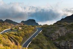 Canyon stupefacente di Maska di vista del paesaggio di tramonto in parco rurale Teno sull'isola Spagna di Tenerife Fotografie Stock