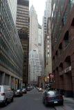Canyon urbain des gratte-ciel, Manhattan inférieure Image stock