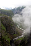 Canyon vicino alla cascata di Voringfossen, Norvegia Fotografia Stock