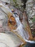 Canyoning in Purcaraccia-Rivier royalty-vrije stock foto