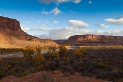 Canyonlands全国公园白的外缘路 免版税库存照片