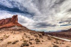犹他Canyonlands天空区白的外缘路的全国珀丽湾 免版税库存图片