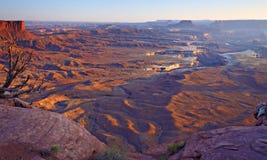 Canyonlands förbiser den breda sikten från Green River Royaltyfri Fotografi