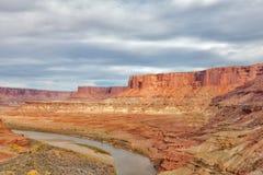 Canyonlands nationell Parkera-vit Rim Road Arkivfoton