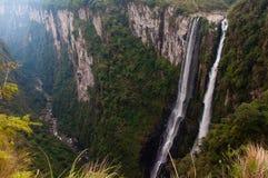 Canyons grands d'Itaimbezinho dans Rio Grande do Sul, Brésil photo libre de droits