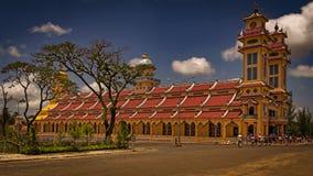Cao Dai tempel i Tây Ninh royaltyfria bilder