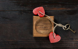 Capítulo con los corazones y llave para el día de tarjeta del día de San Valentín Imagen de archivo