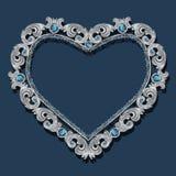 Capítulo en la forma del corazón con el topacio azul fotos de archivo libres de regalías