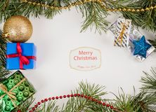 Capítulo hecho de ramas del abeto y de la decoración del Año Nuevo Foto de archivo libre de regalías