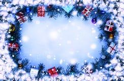 Capítulo Imagen entonada Fondo de la Navidad con las decoraciones Fotos de archivo