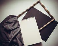 Capítulos y pañería de seda foto de archivo libre de regalías