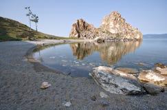 Cap Burkhan, île Olkhon, lac Baikal. La Russie. Photographie stock libre de droits