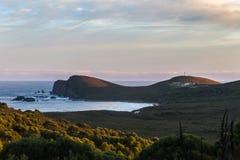 Cap de négligence Bruny de vue et son phare Photographie stock