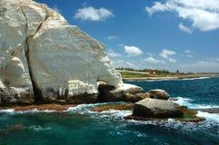 Cap de nikra de Rosh ha - borne limite célèbre, Israël Photographie stock libre de droits