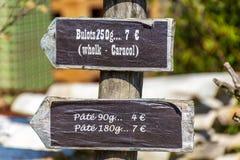 Cap Ferret Arcachon fj?rd, Frankrike Dekorativt tecken f?r att s?lja f?r valthornssn?cka och f?r pat arkivfoto