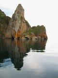 Cap Khoboy sur le lac Baïkal photos stock