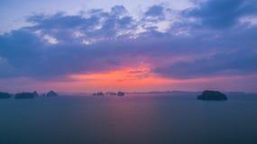 Cap renversant de nez de Buffalo dans le coucher du soleil Images libres de droits