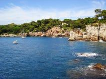 Cap rocheux Antibes de côte Images libres de droits