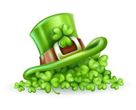 Cap of Saint Patrick in the clover Royalty Free Stock Images