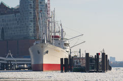 Cap Sandiego. Winter at Hamburg and ice on river Elbe Stock Photo