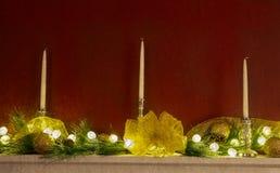 Capa adornada con los ornamentos de la Navidad Imagen de archivo libre de regalías